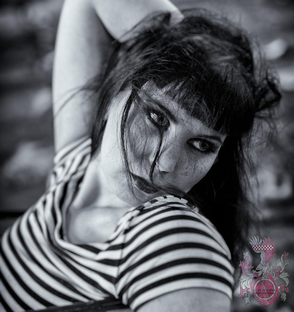 Lost-Place-Akt-Dessous-Model-Claudia-Diamond-SvenSpannagel-Fotografie-1.jpg