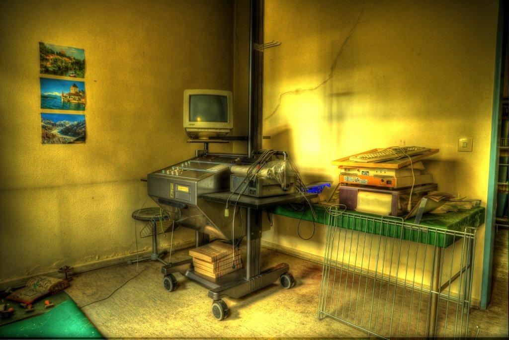 lostplace-svenspanngel-fotografie-klinik-horror-lost-place-18.jpg