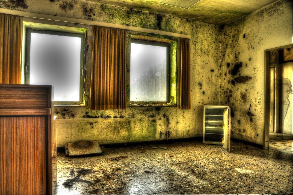 lostplace-svenspanngel-fotografie-klinik-horror-lost-place-20.jpg