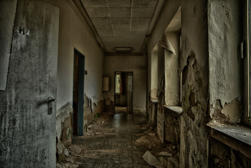 lostplace-svenspanngel-fotografie-klinik-horror-lost-place-21.jpg