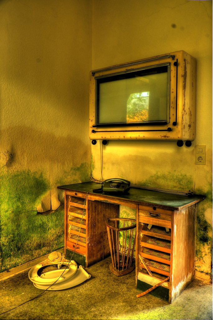 lostplace-svenspanngel-fotografie-klinik-horror-lost-place-22.jpg