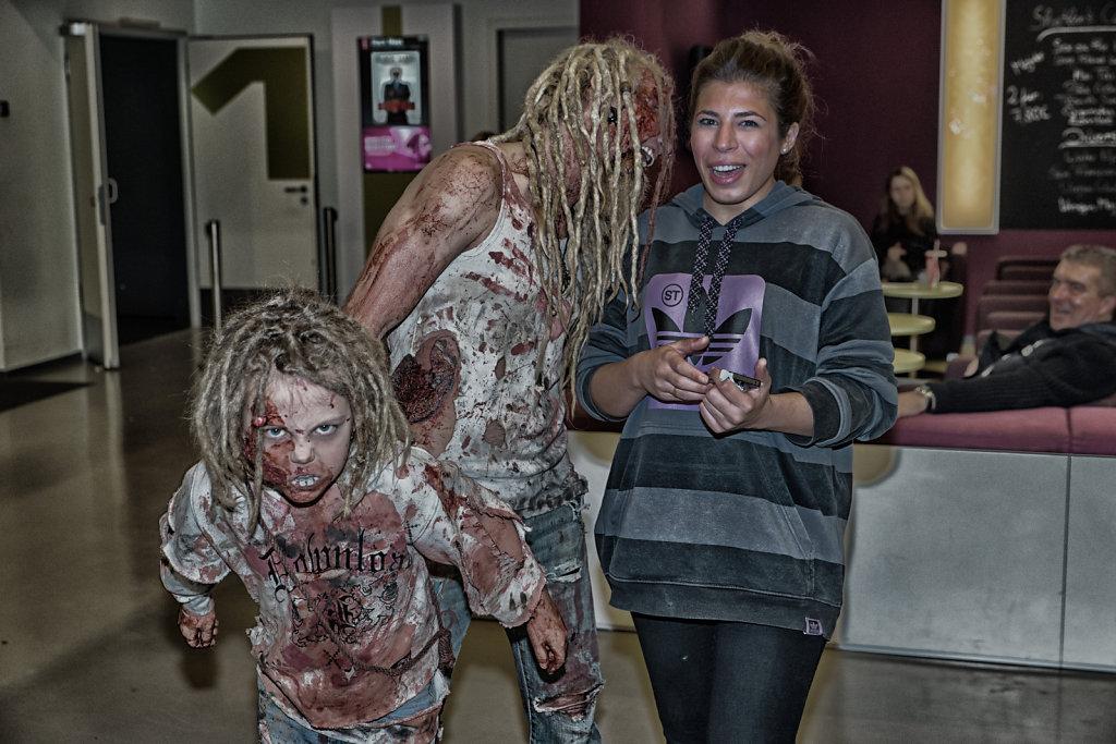 the-walking-dead-cinemaxx-bielefeld-zombie-walk-svenspannagel-fotografie-zombie-horror-10.jpg