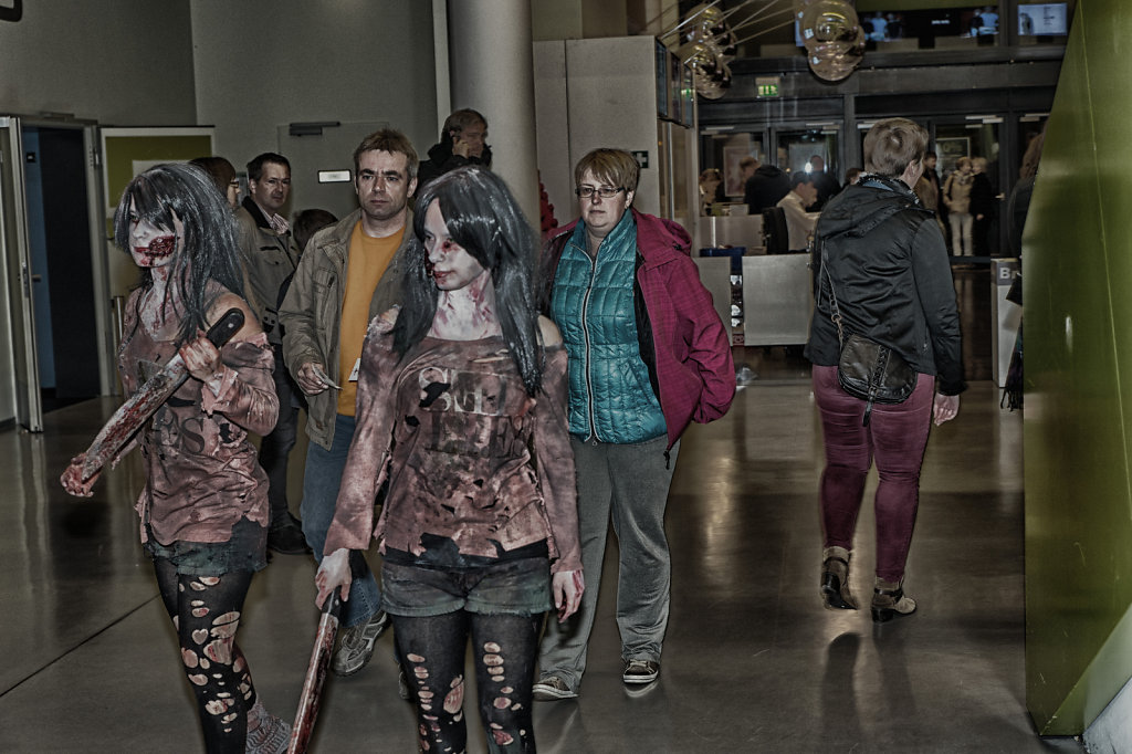 the-walking-dead-cinemaxx-bielefeld-zombie-walk-svenspannagel-fotografie-zombie-horror-13.jpg
