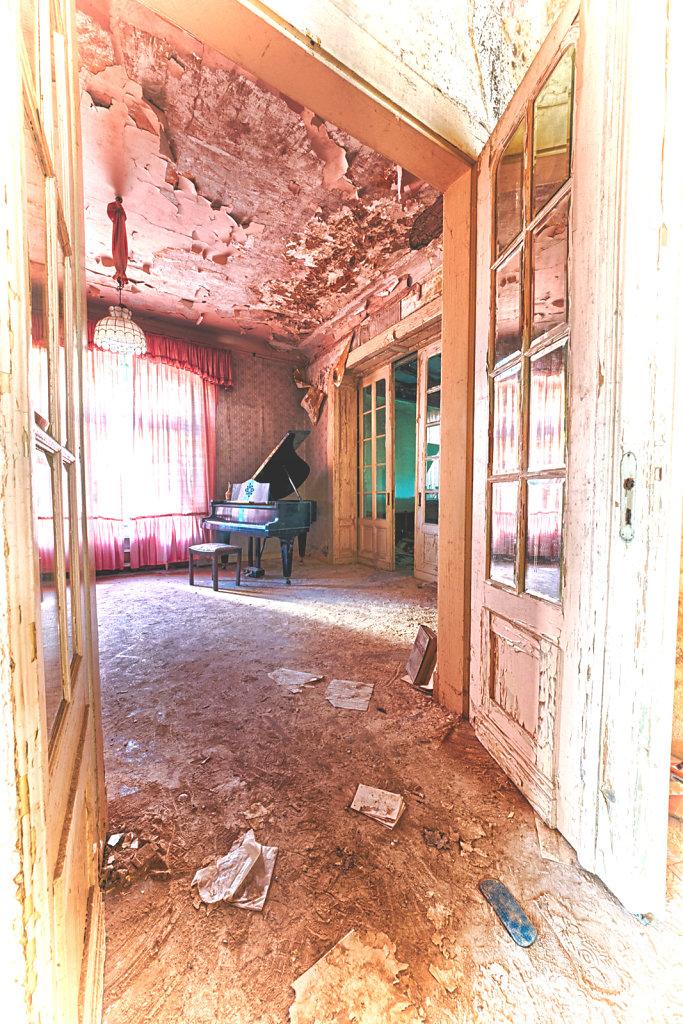 lost-place-anna-L-DrPain-svenspannagel-fotografie-urbex-urologen-villa-lostplace-rotten-place-8.jpg