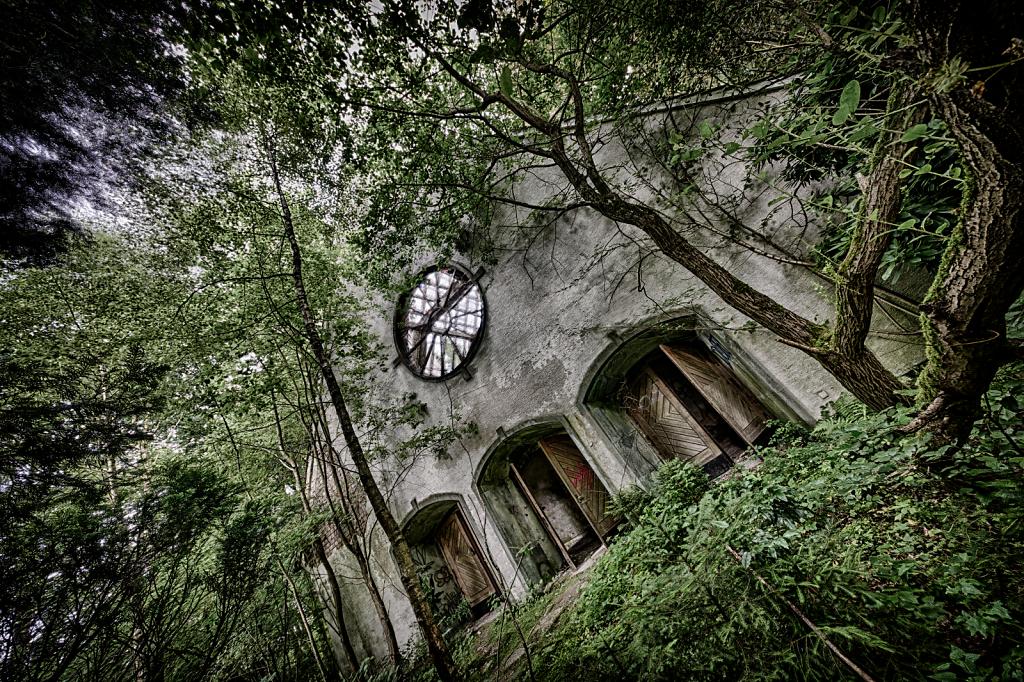 lost-place-victoria-barracks-svenspannagel-fotografie-urbex-kirche-3.png