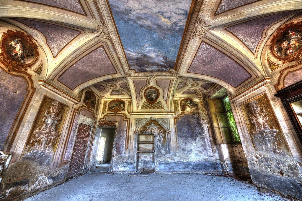 Lost-place-italien-im-schatten-des-atoms-all-ombra-dell-atomo-verlassendes-dorf-svenspannagel-fotografie-urbex-45.jpg