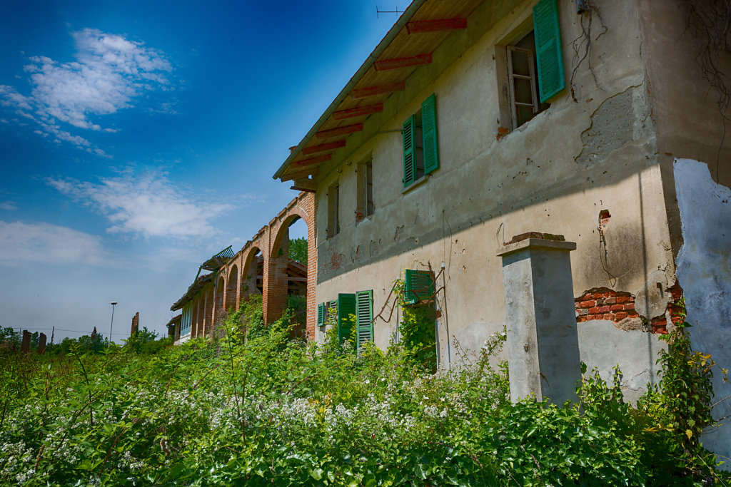 Lost-place-italien-im-schatten-des-atoms-all-ombra-dell-atomo-verlassendes-dorf-svenspannagel-fotografie-urbex-25.jpg