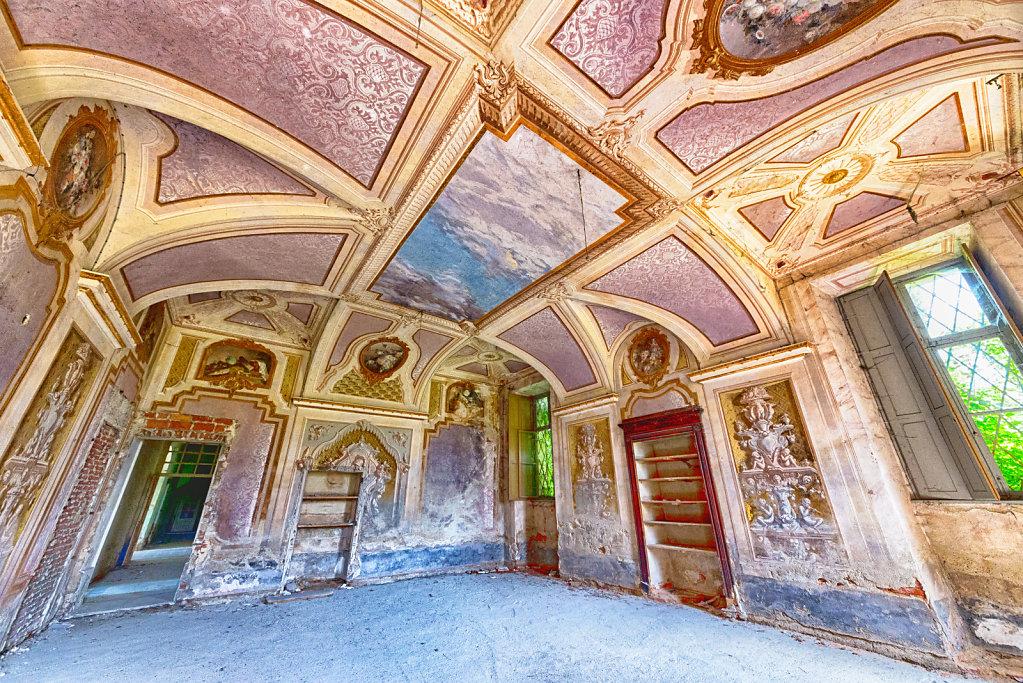 Lost-place-italien-im-schatten-des-atoms-all-ombra-dell-atomo-verlassendes-dorf-svenspannagel-fotografie-urbex-28.jpg