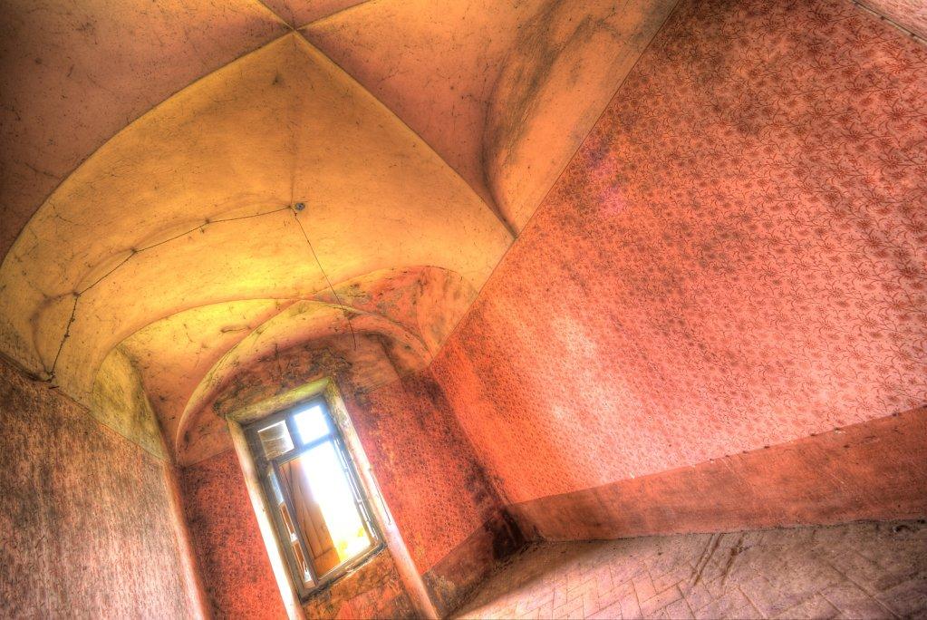 Lost-place-italien-im-schatten-des-atoms-all-ombra-dell-atomo-verlassendes-dorf-svenspannagel-fotografie-urbex-33.jpg