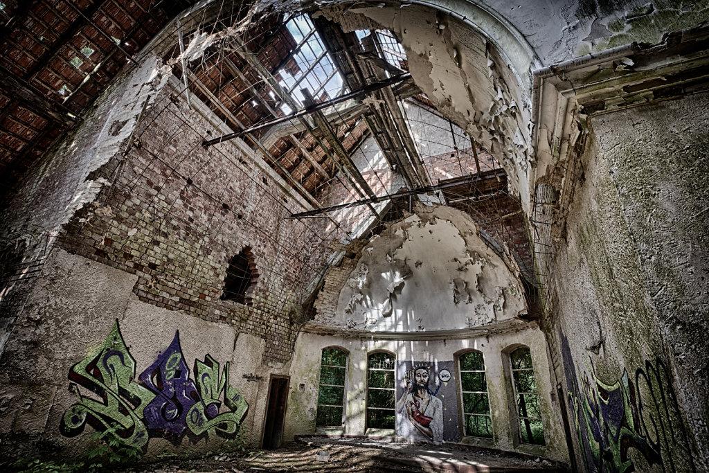 lost-place-victoria-barracks-svenspannagel-fotografie-urbex-kirche-6.jpg