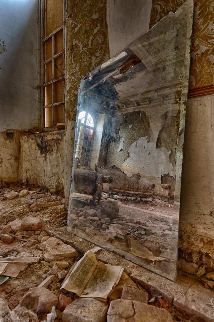 Lost-Place-Chateau-Congo-belgien-urbex-svenspannagel-fotografie-21.jpg