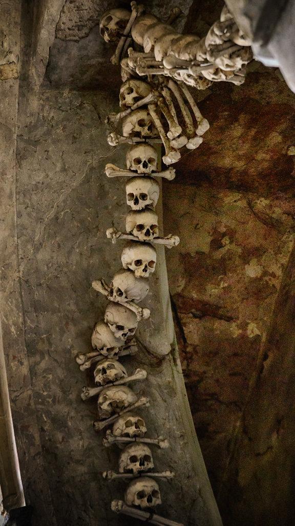 kutna-hora-knochenkirche-bonechurch-svenspannagel-fotografie-lostplace-urbex-15.jpg