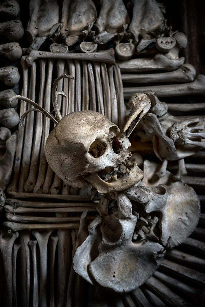 kutna-hora-knochenkirche-bonechurch-svenspannagel-fotografie-lostplace-urbex-18.jpg