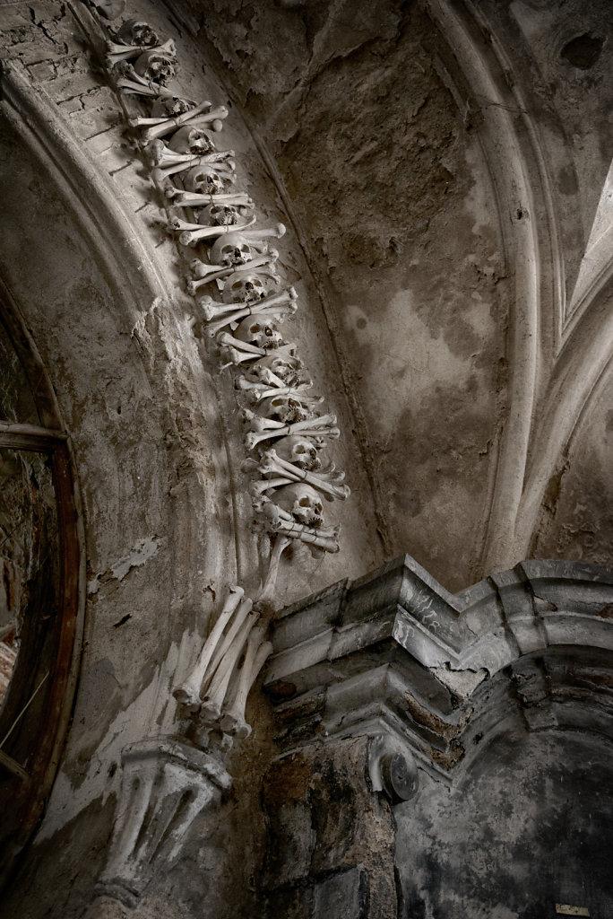 kutna-hora-knochenkirche-bonechurch-svenspannagel-fotografie-lostplace-urbex-20.jpg