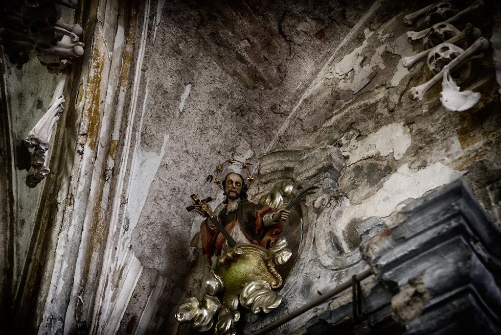 kutna-hora-knochenkirche-bonechurch-svenspannagel-fotografie-lostplace-urbex-21.jpg