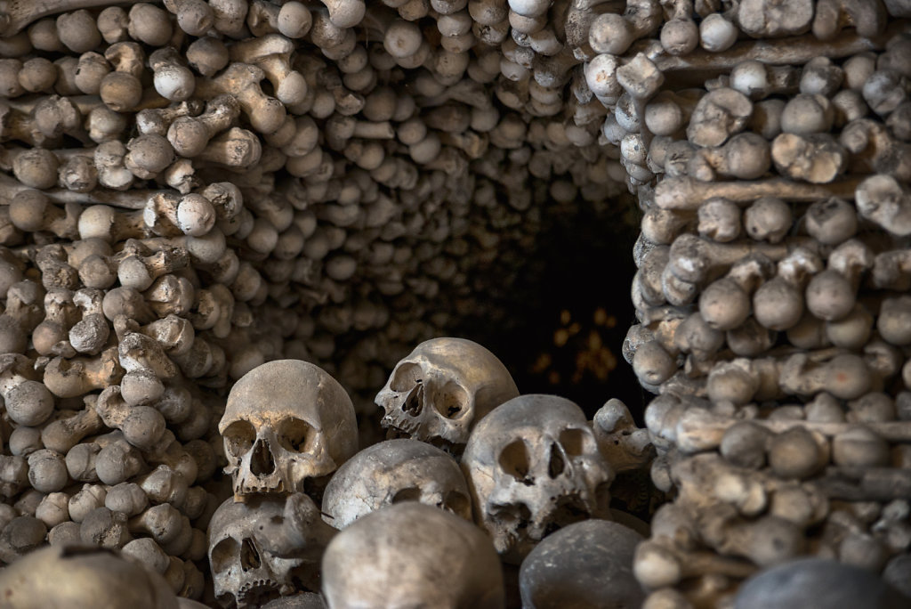 kutna-hora-knochenkirche-bonechurch-svenspannagel-fotografie-lostplace-urbex-27.jpg