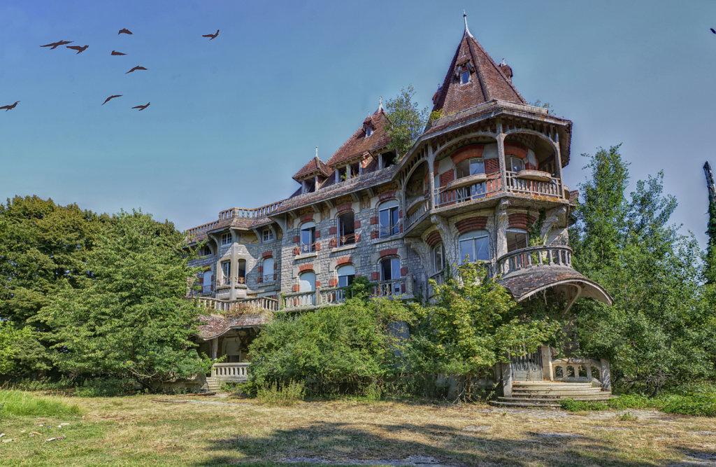urbex-manoir-colimacon-frankreich-svenspannagel-fotografie-lost-places-gothic-treppe-maison-19.jpg